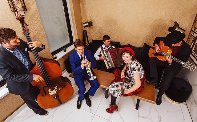 WJF and @cabinetrooms are super excited to welcome you to an early evening of café swing with the fabulous Bad Cat on Sunday 22nd Sept.  Join us for a session of sassy, sexy swing with a hint of Gauloises and Guerlain from Cat Tarrant and the band. Expect American songbook classics (and not-so-classics...), chansons and cabaret songs. A delicious blend of café swing and gypsy jazz featuring bittersweet vocals, guitar and bass, seasoned with trumpet, accordion... and ukelele! Full details on our website.