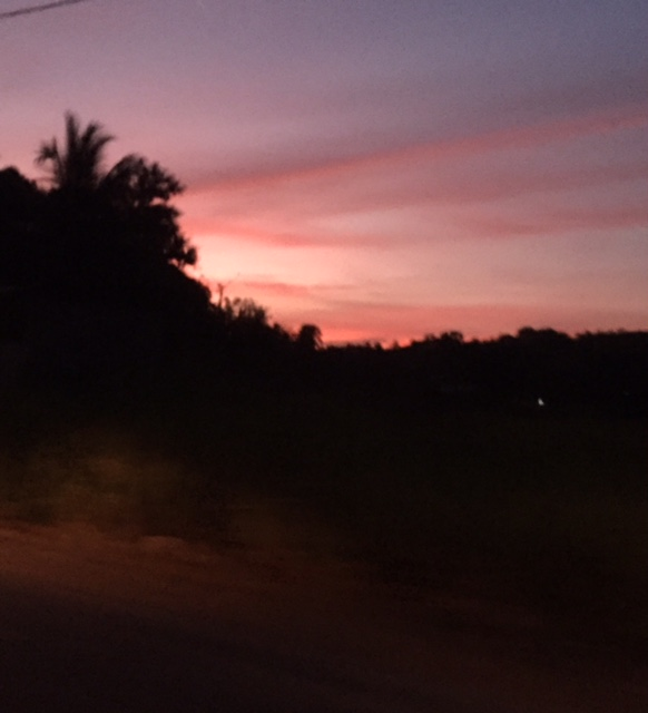 さようならを言った後、目の前には美しい夕焼けが、、、、
