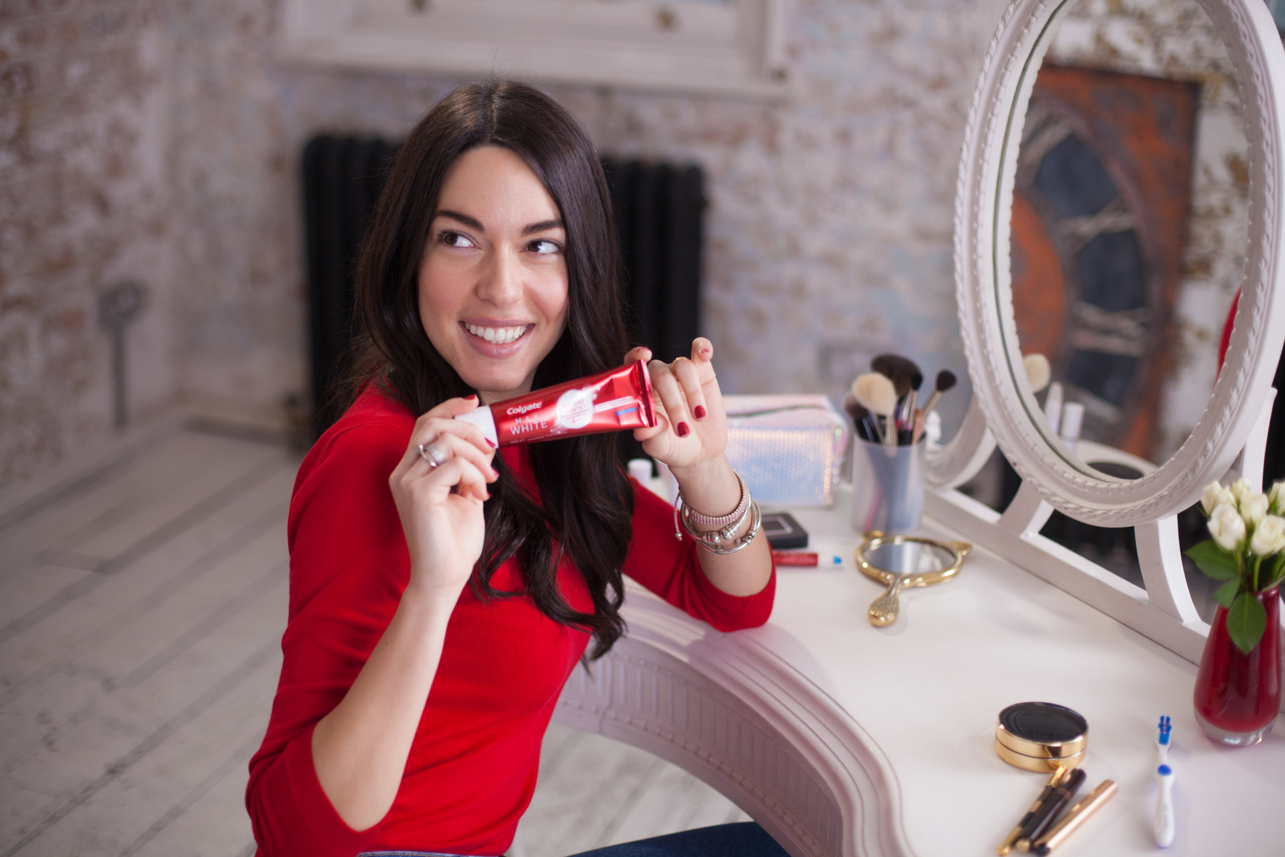 COLGATE - FOUNDATION OF YOUR LOOK