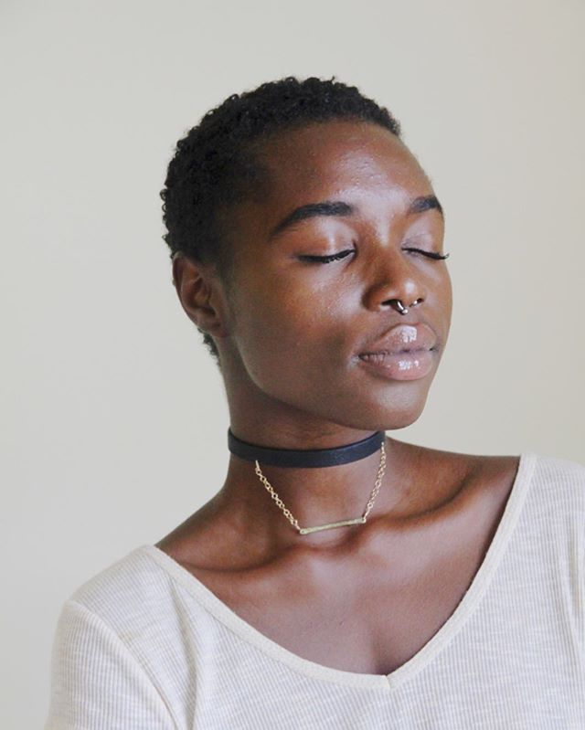 • the bea bar choker • link in bio  Adjustable Haitian cowhide choker with draped gold filled chain and a hammered brass pendant. Handmade by Nehemie!  #madeinhaiti #handmade #haitianartisans #choker #leather #artisan #madebywomen #haitianjobs #ayiticherie #craft #style #beauty #haitianbeauty #belayiti