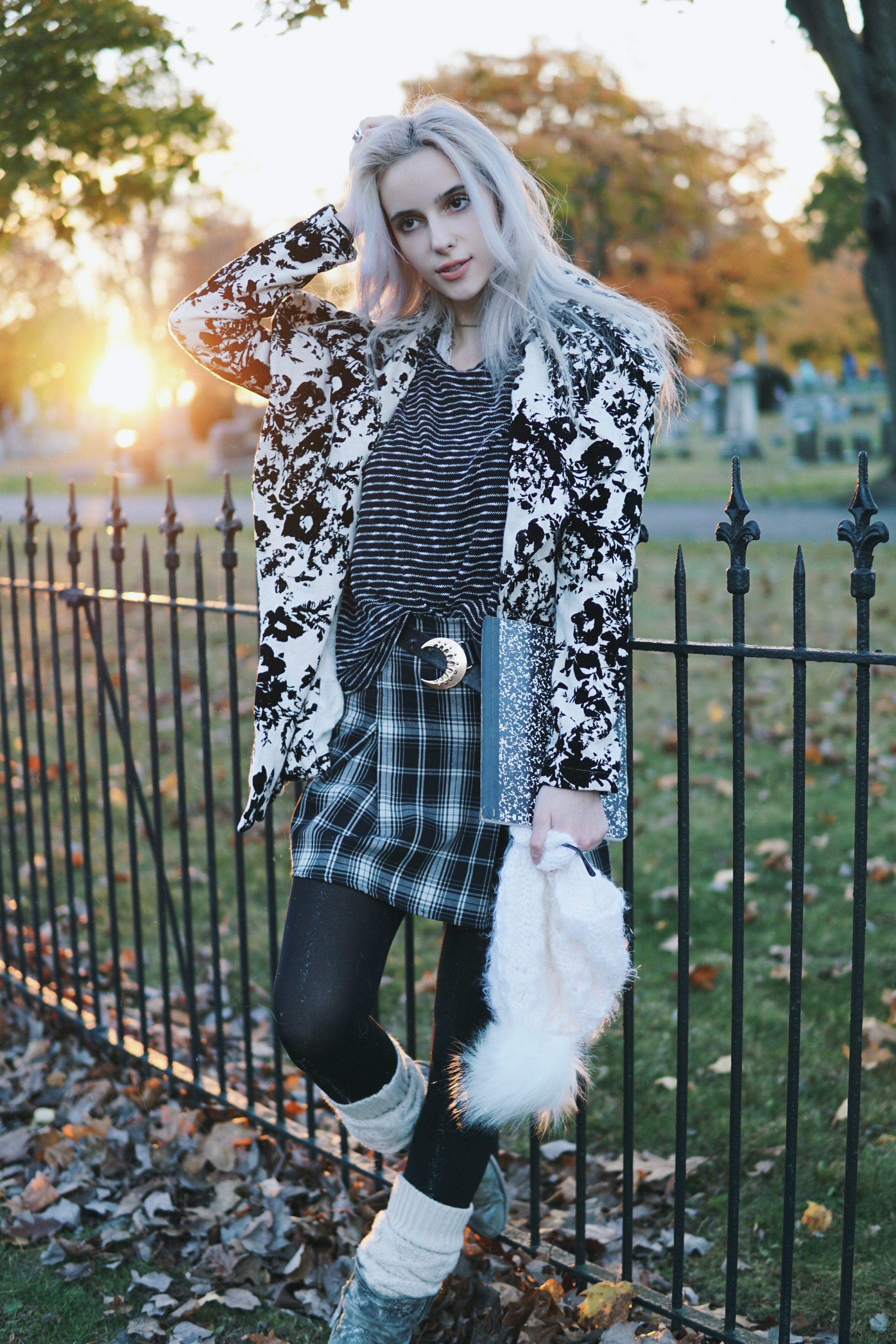 jacket:  free people    sweater:  forever 21    skirt:  brandy melville    hat:  princessaanastasiya    belt:  free people