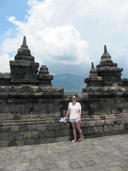 1.1301218155.temple-spire-cleavage.jpg