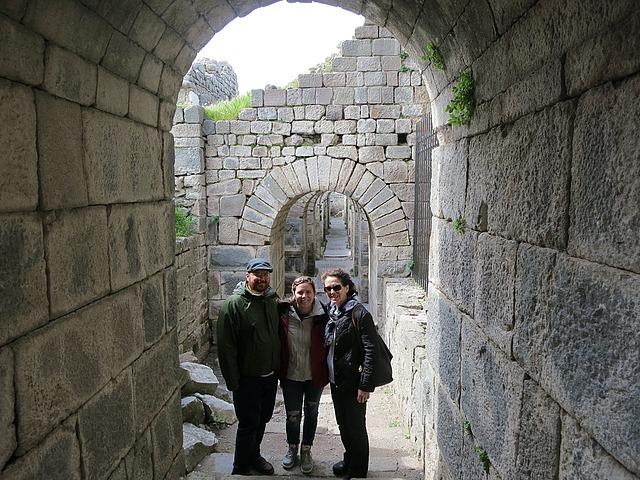 3.1364419864.archways-under-temple.jpg
