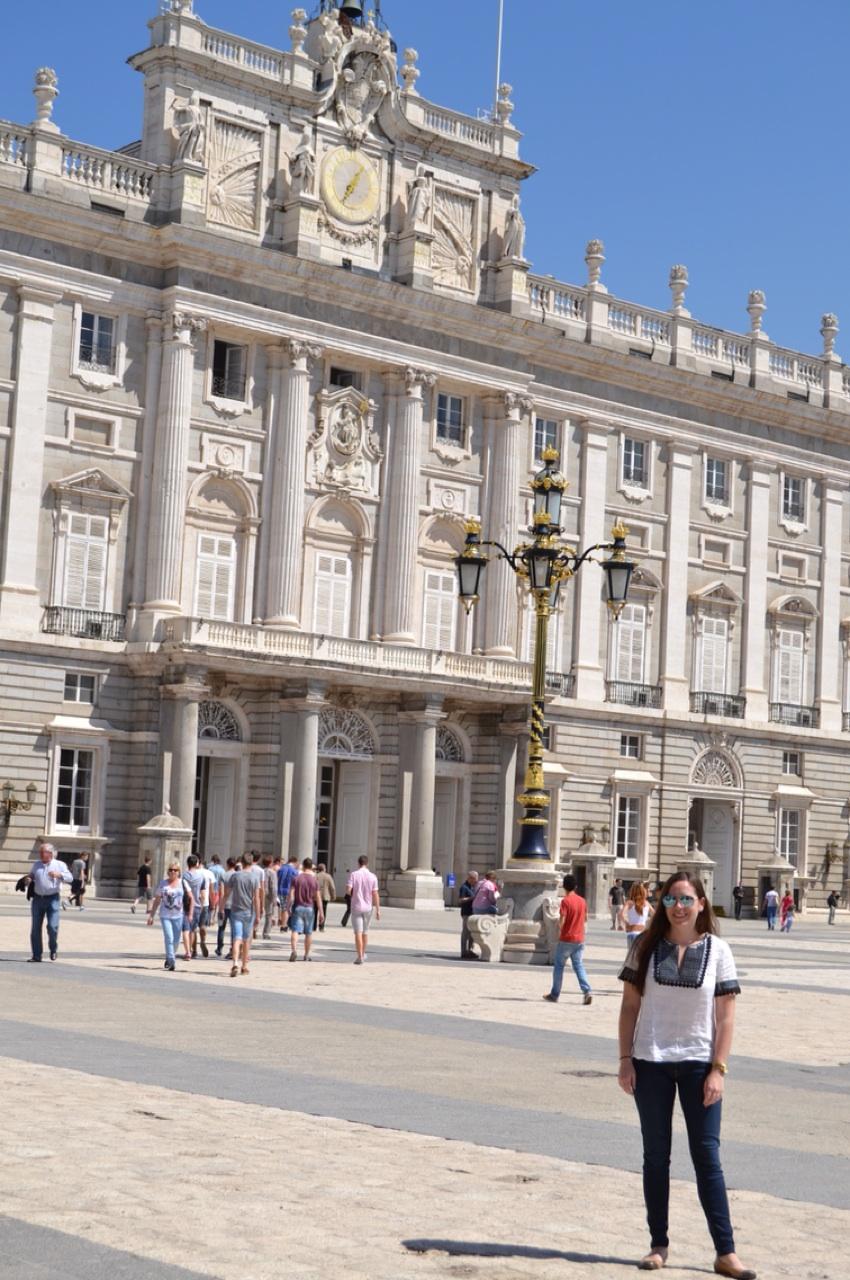 4.1397606400.outside-the-palace.jpg
