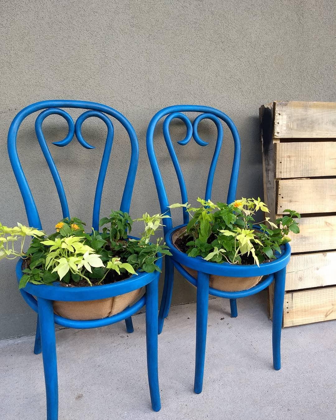 Giverny Planters.jpg