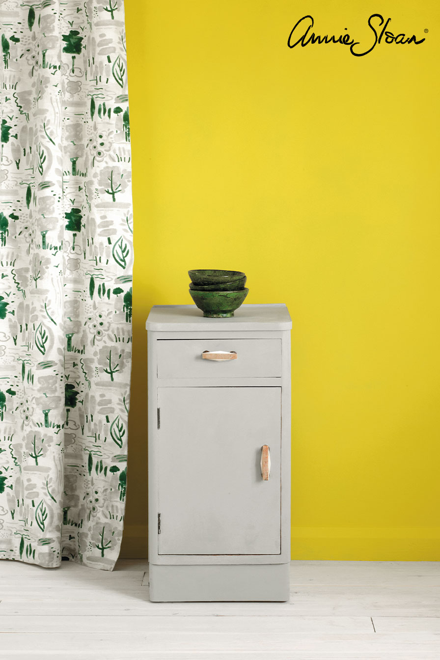 Paris-Grey-side-table,-Dulcet-in-Old-White,-Wall-Paint-in-English-Yellow,-72dpi-image-2.jpg