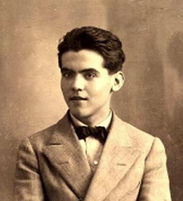 (Photograph of Lorca, 1914.)