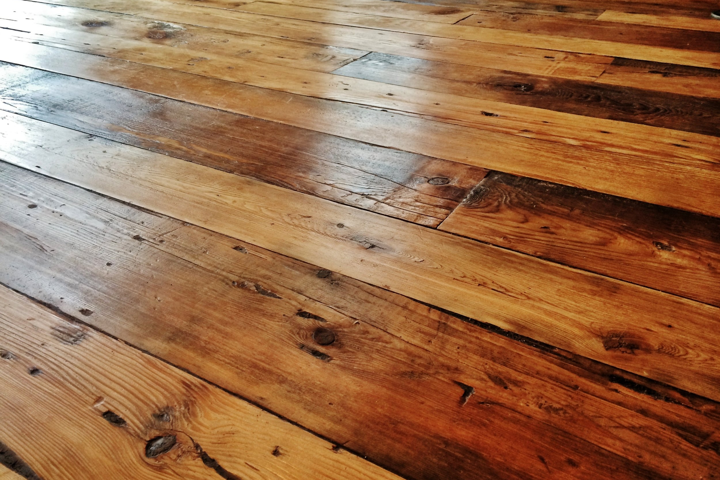 RECLAIMED FLOORING -