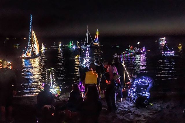 It's tomorrow - the Lighted Boat Parade in Baywood!! Bring your kayaks, boats, SUP & surf boards, light them up and join the fun! ⛵🏄🚣 Live music, food & drinks available at this family friendly event. https://lobpchamber.org/events/baywood-lighted-boat-parade-2/ #VisitLosOsosBaywood #WildlyAdventurous #BoatParade