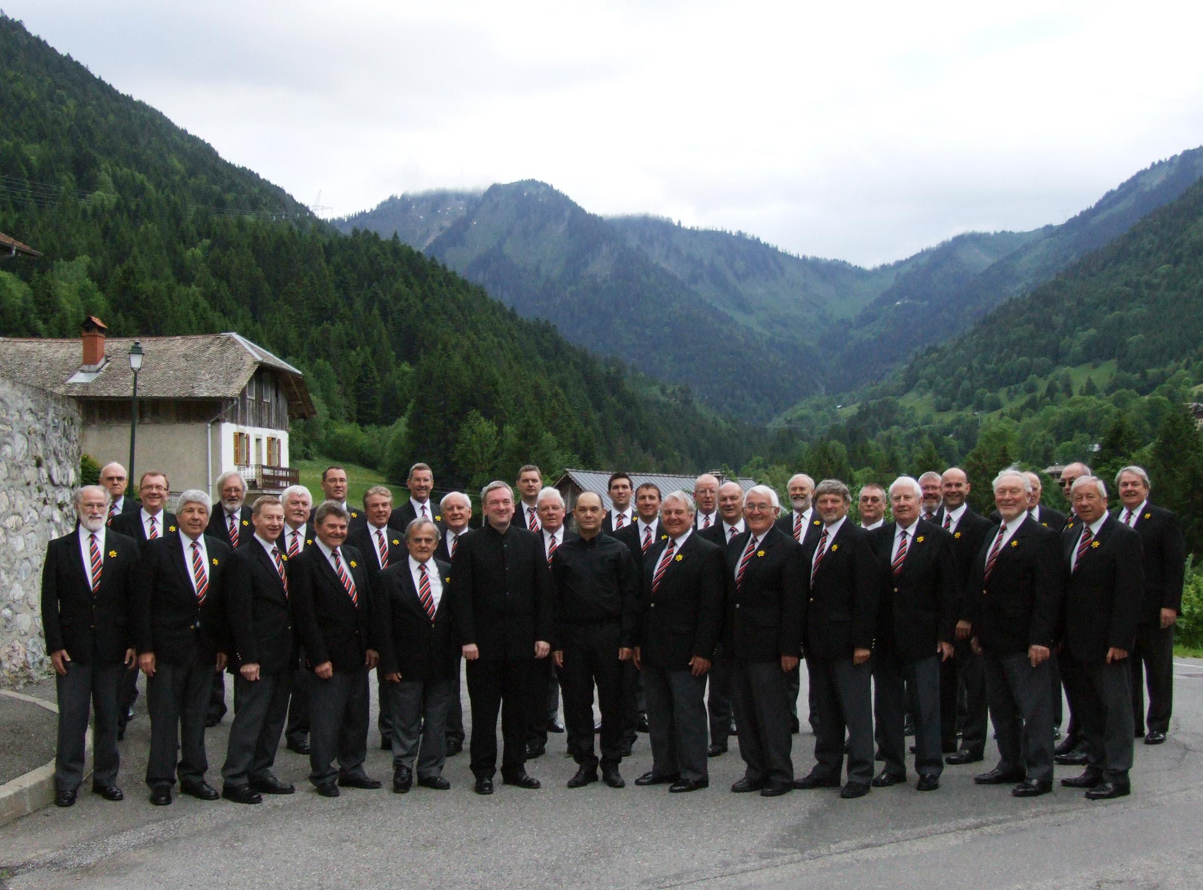 Choir in Seytroux.jpg