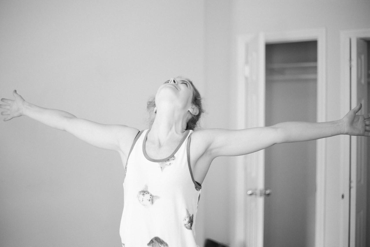Soaking in those last few moments in my old apartment. Goodbye bedroom, goodbye floors, goodbye ceilings!