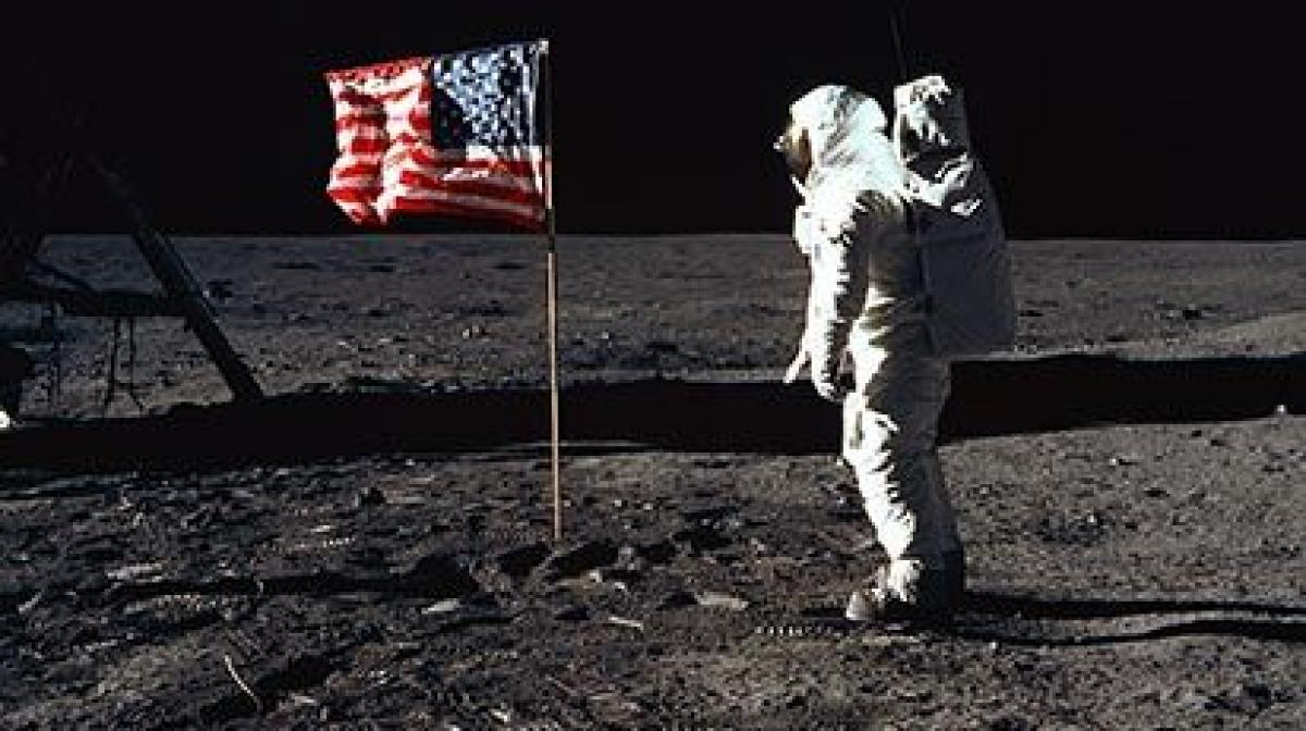 moon landing live.jpg