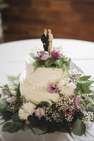 2 tier wedding.jpg