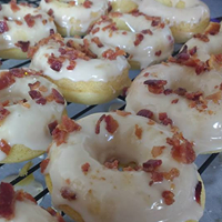 maple bacon donut.png