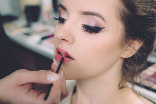 Got the look? - Then why not flaunt it too? Enjoy our luxurious and pampering make up makeover masterclasses with our beauty experts. Team up your makeover experience with a photo shoot and make it an extra special day.