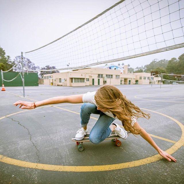 Cruisin into Tuesday 🛹 ⠀⠀⠀⠀⠀⠀⠀⠀⠀ ⠀⠀⠀⠀⠀⠀⠀⠀⠀ Skater @sierra_prescott | Photo @ianloganphoto x #girlisnota4letterword  #highschoolseason #volleyballteam #volleyballtime #hsvolleyball #girlsvolleyball #girlssoccer #girlstennis #hssoccer #hstennis #skateboardgirl #girlswhoskate