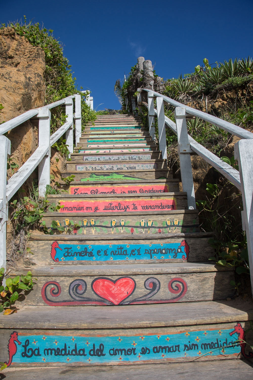008_escadaria_praia das cacimbinhas.jpg