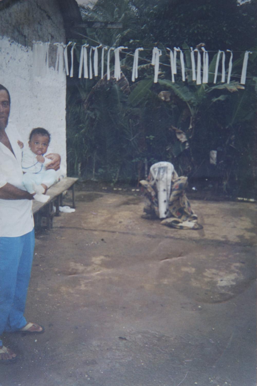 Babá na casa de Petu