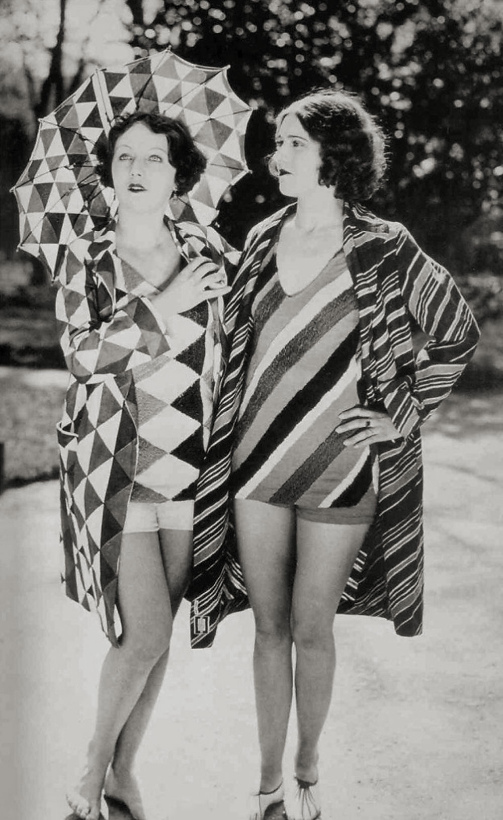 bathing-suits-designed-by-delaunay-c1920s-web.jpg