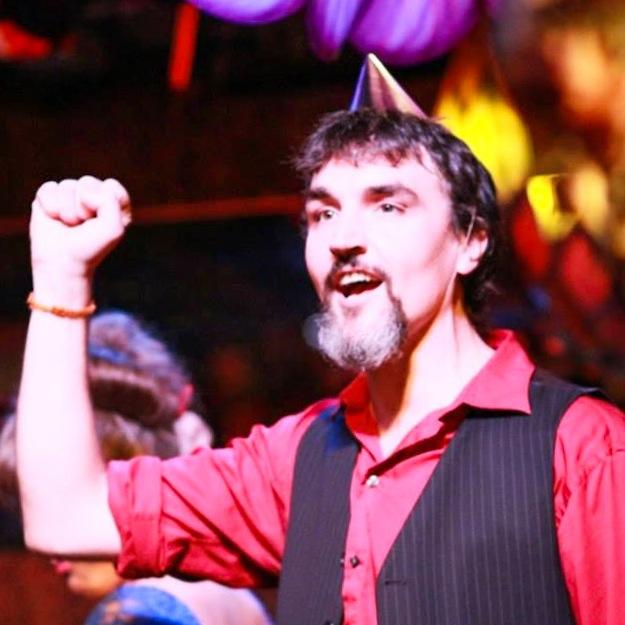 Stef performing at Phaedra's Cabaret