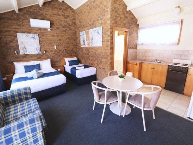 best-western-robe-melaleuca-motel-hotel-accommodation-deluxe-spa-2.jpeg