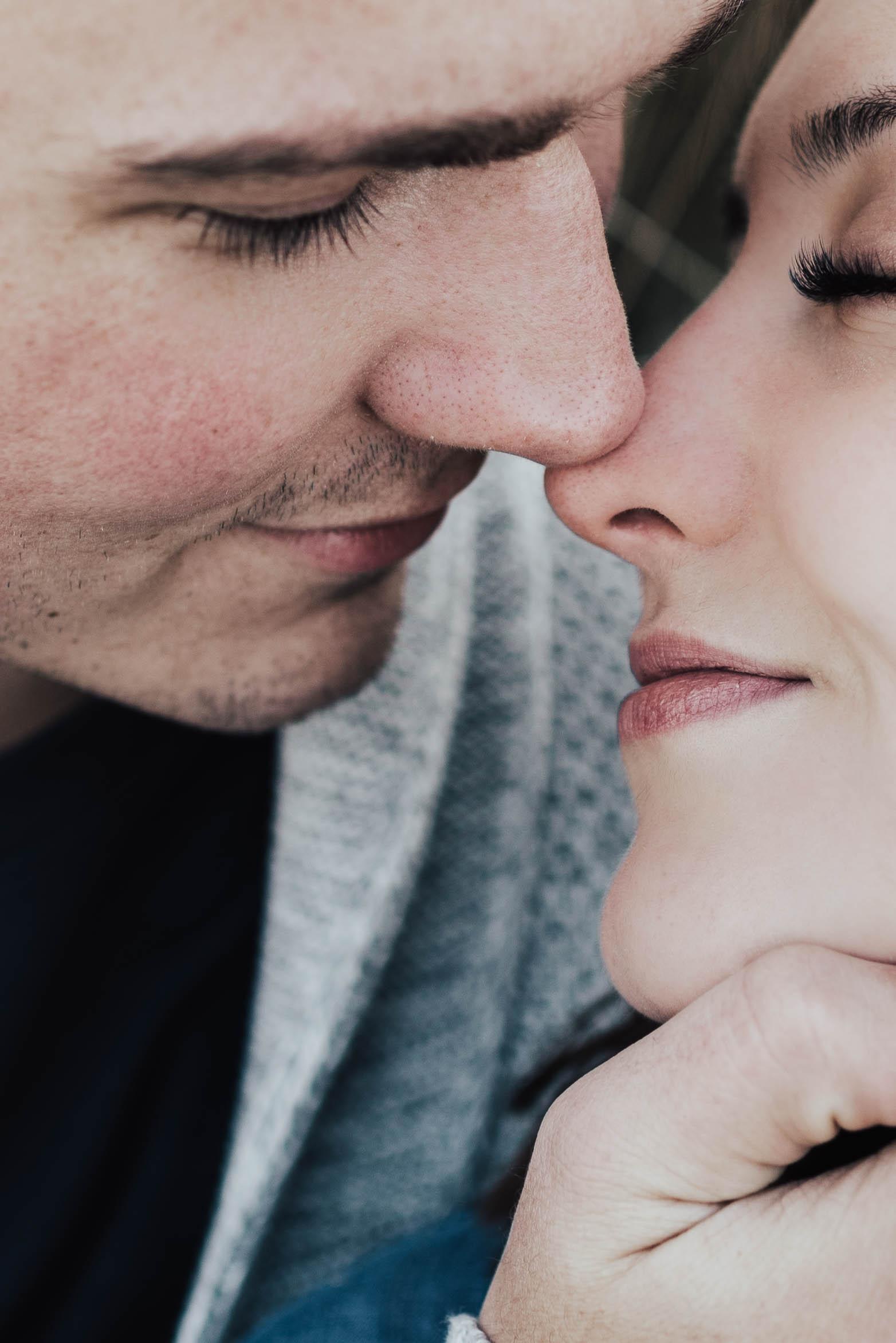 Steena-Anne-Photography-Samantha-Josh-Minneapolis-Winter-Engagement104.jpg