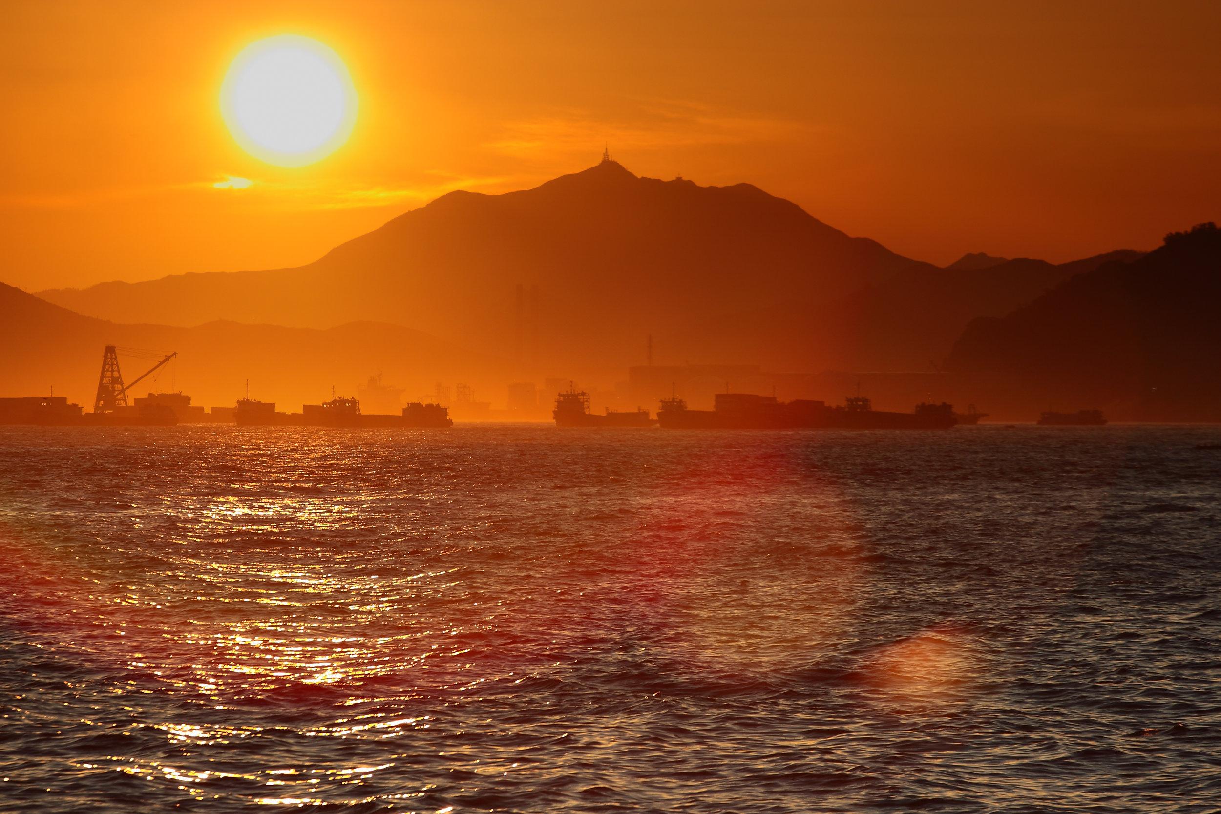 Sunset in Hong Kong (2009)