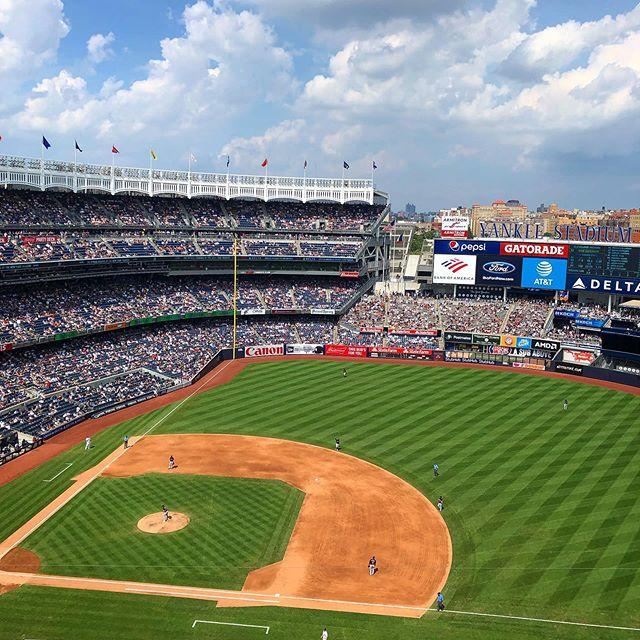 New York Yankees vs. Cleveland Indians  #sunday #baseball #newyork #yankees #cleveland #clevelandindians #yankeestadium #takemeouttotheballgame