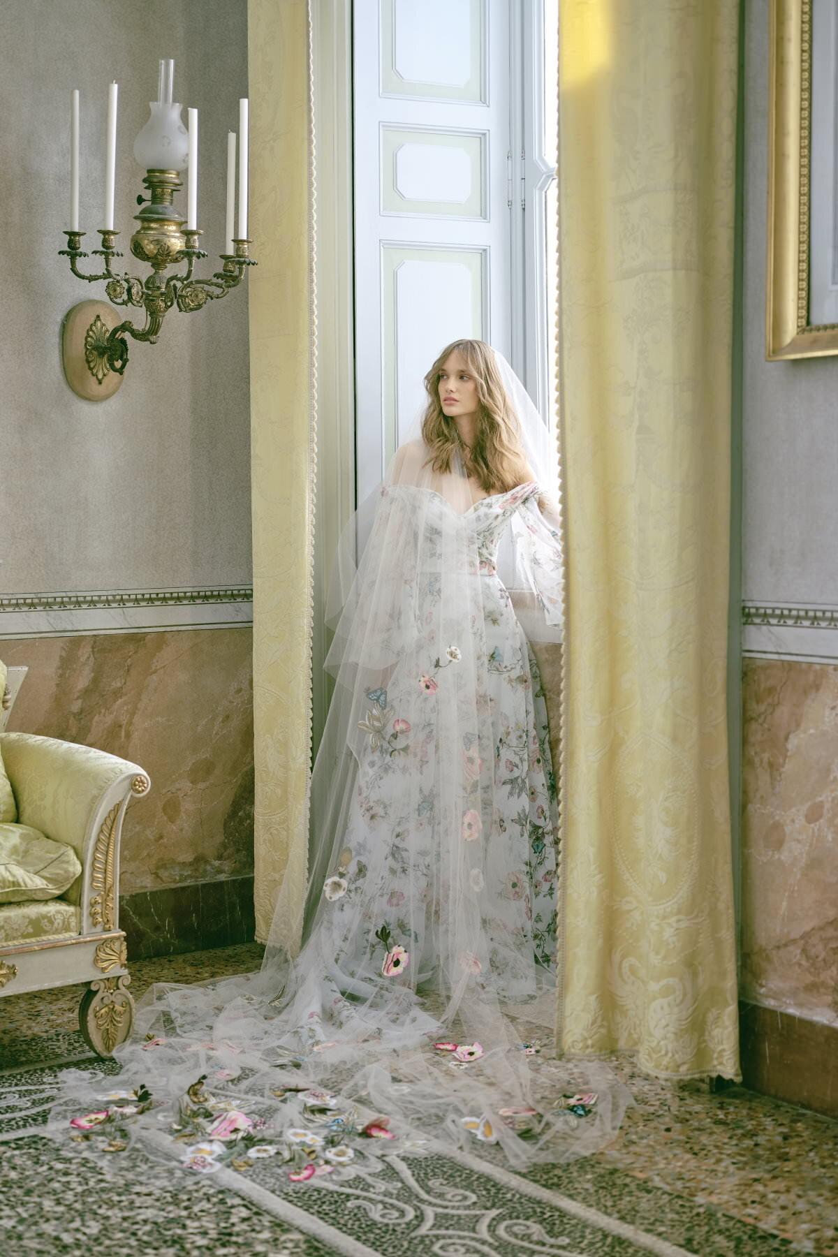 MoniqueLhuillier-Fall2020-Bridal-Look1-Jardin-ktmerry.jpg