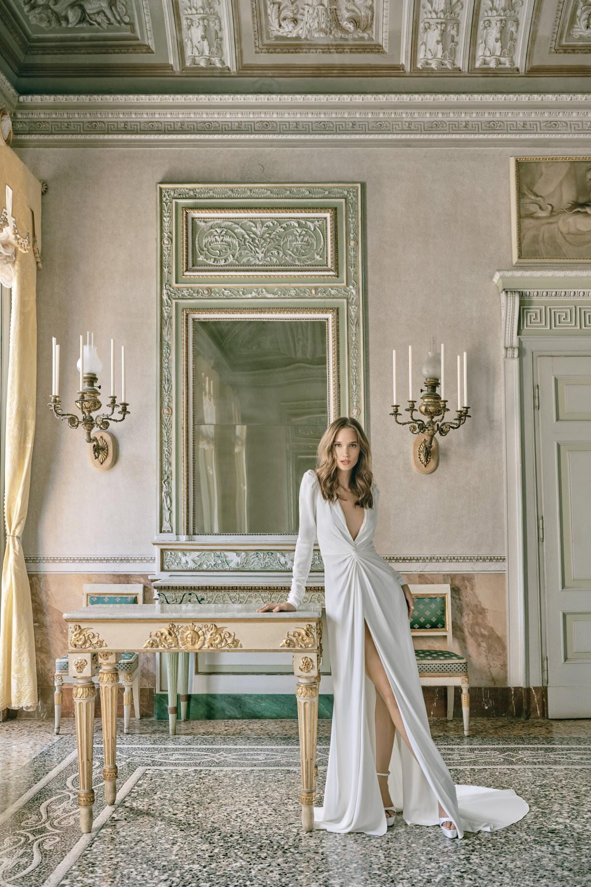 MoniqueLhuillier-Fall2020-Bridal-Look11-Celine-ktmerry.jpg