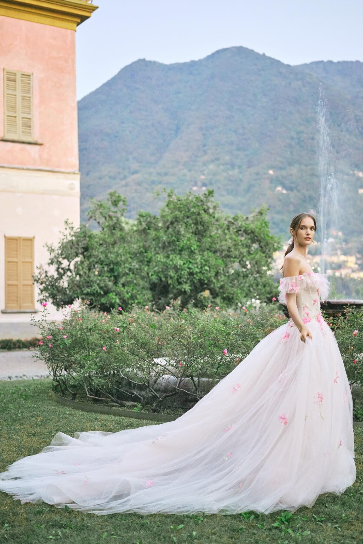MoniqueLhuillier-Fall2020-Bridal-Look13-Tulip-ktmerry.jpg