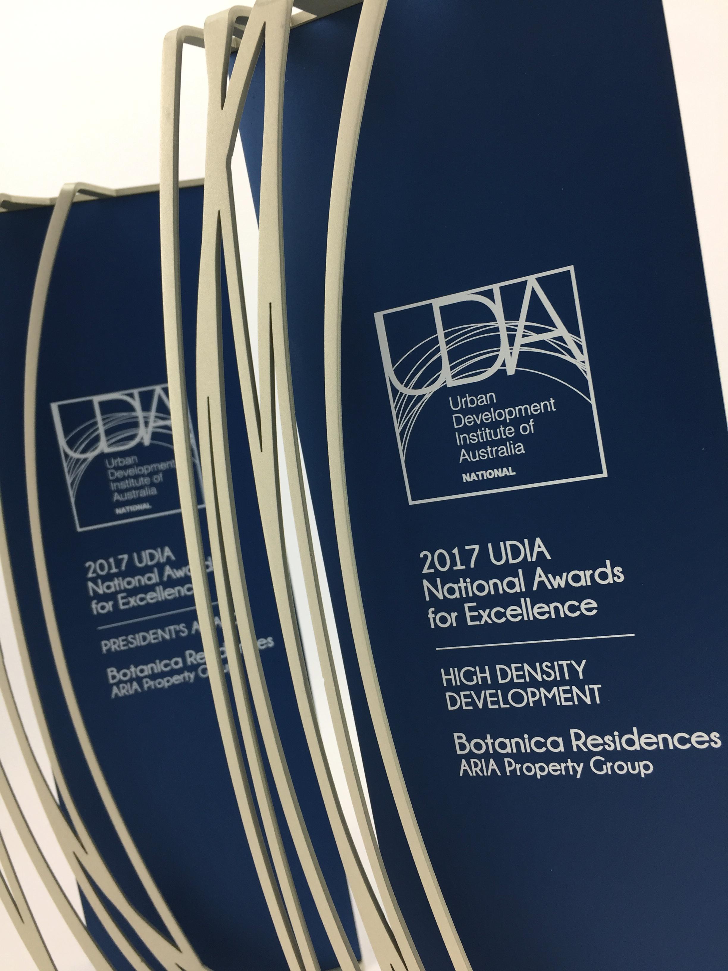 udia-national-awards-aluminium-trophy-02.jpg