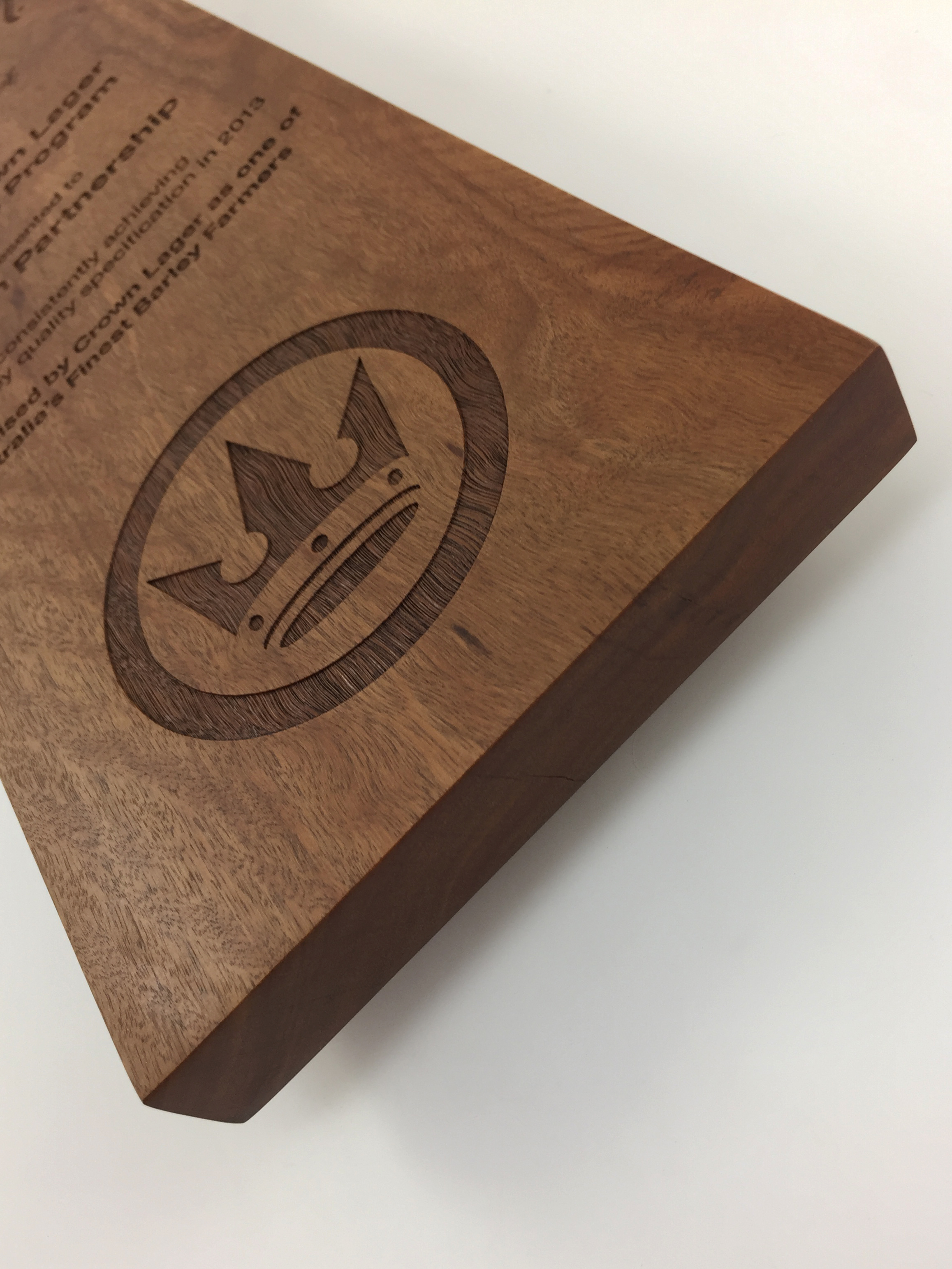 crown-lager-plaque-eco-timber-engraved-awards-trophy-04.jpg