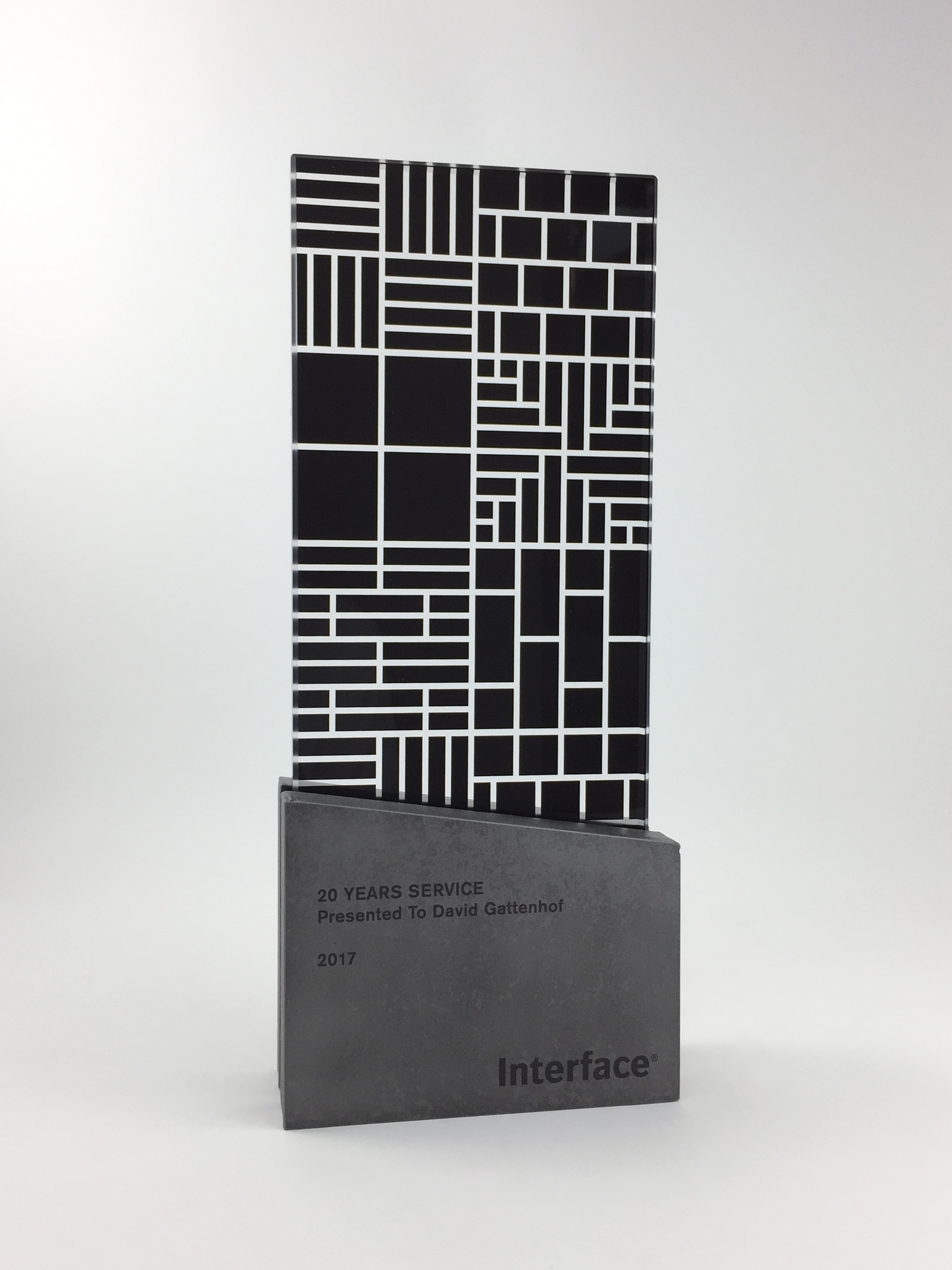 interface-awards-metal-glass-graphic-art-trophy-06.jpg