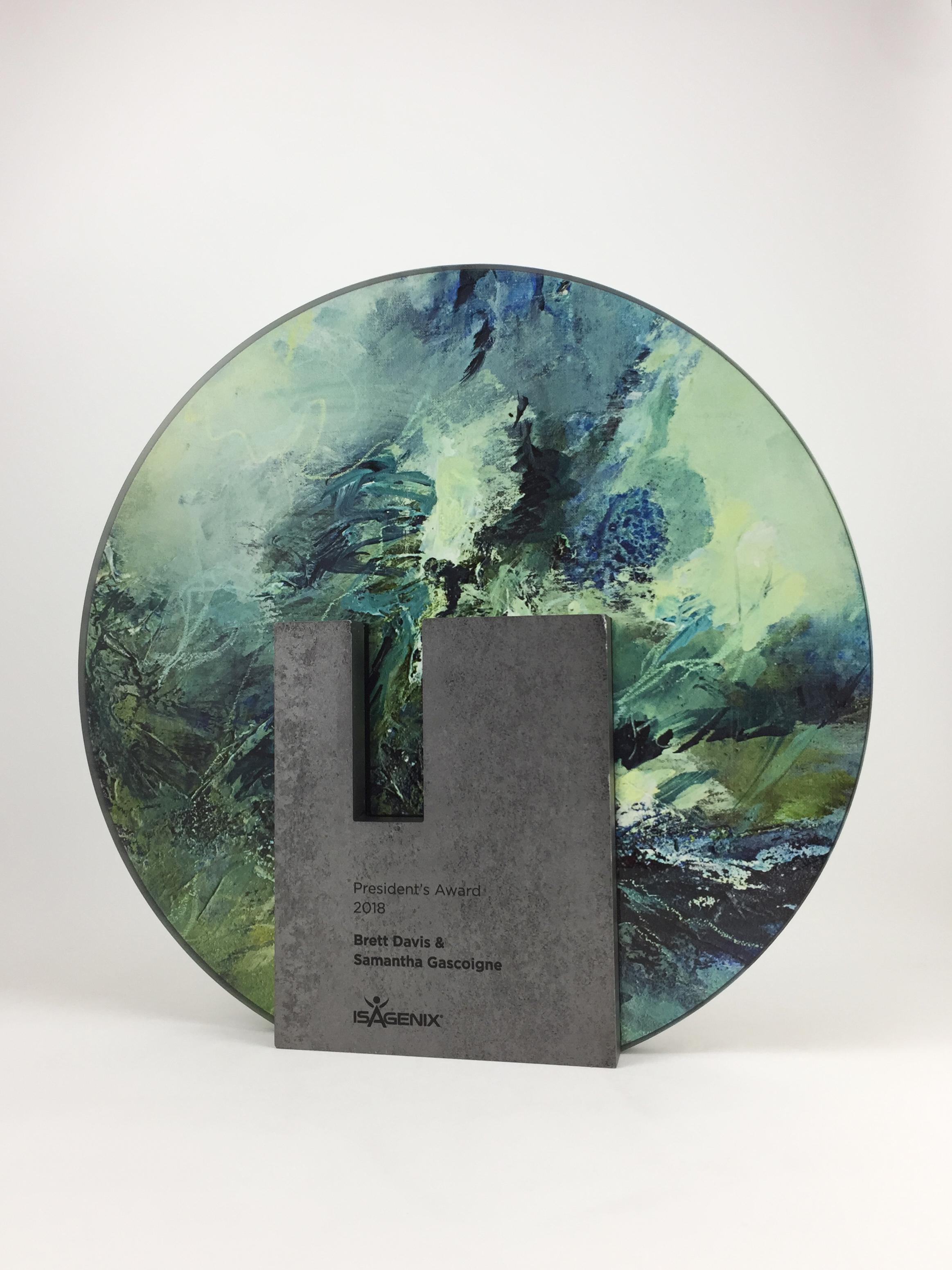 isagenix-presidents-metal-glass-art-trophy-awards-sculpture-01.jpg