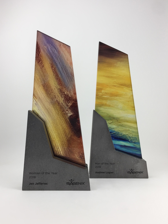 isagenix-woman-man-of-year-metal-glass-art-trophy-awards-sculpture-01.jpg