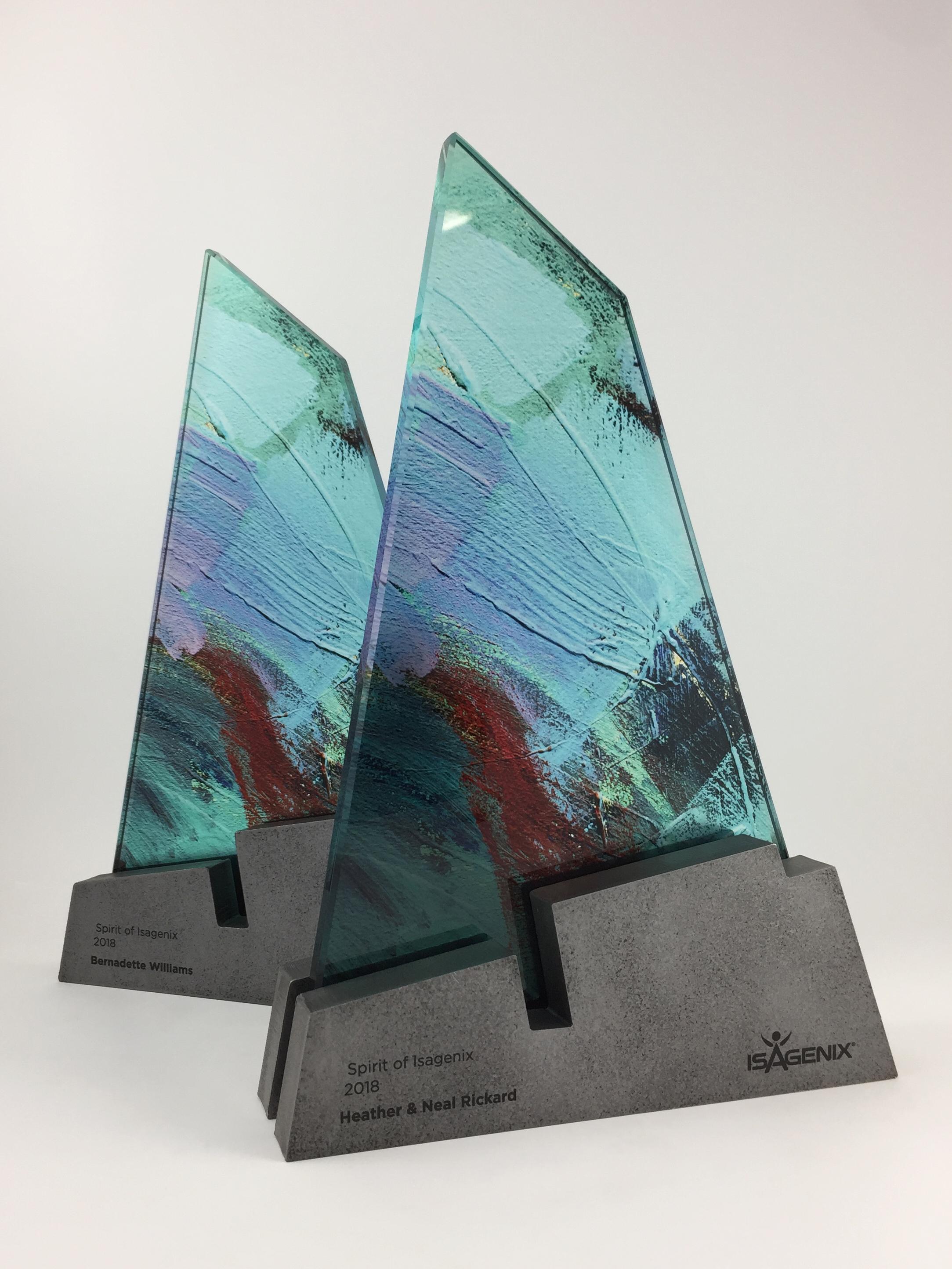 isagenix-spirit-metal-glass-art-trophy-awards-sculpture-01.jpg