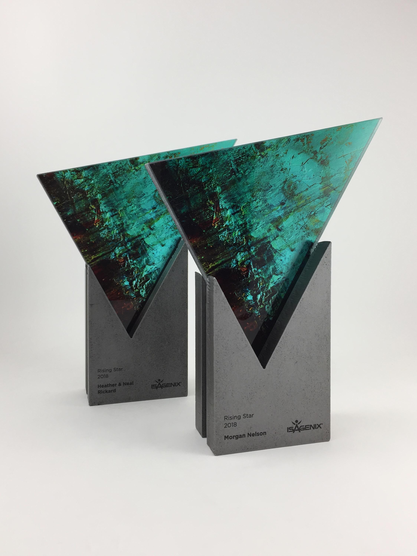 isagenix-rising-star-metal-glass-art-trophy-awards-sculpture-01.jpg