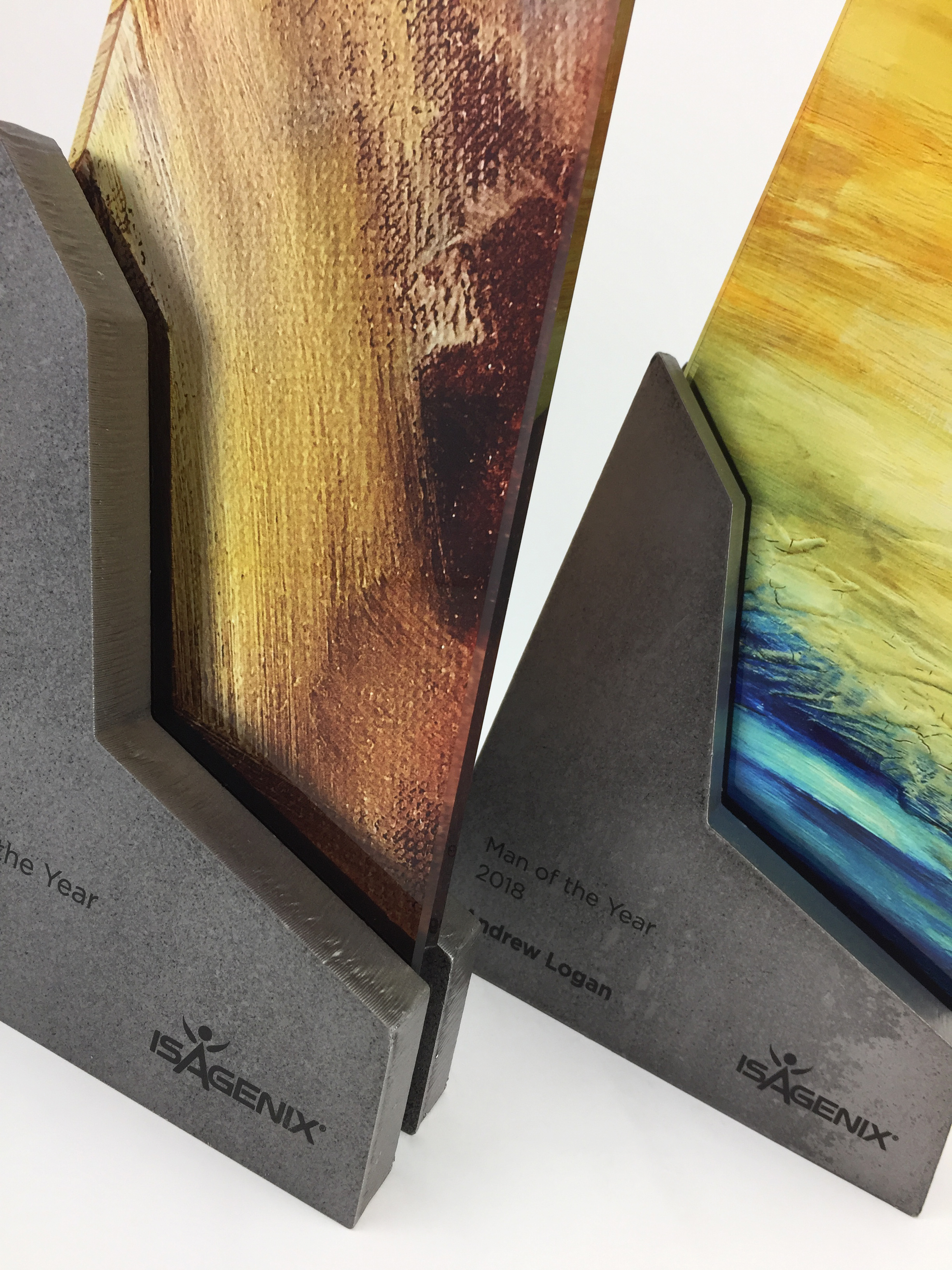 isagenix-woman-man-of-year-metal-glass-art-trophy-awards-sculpture-02.jpg