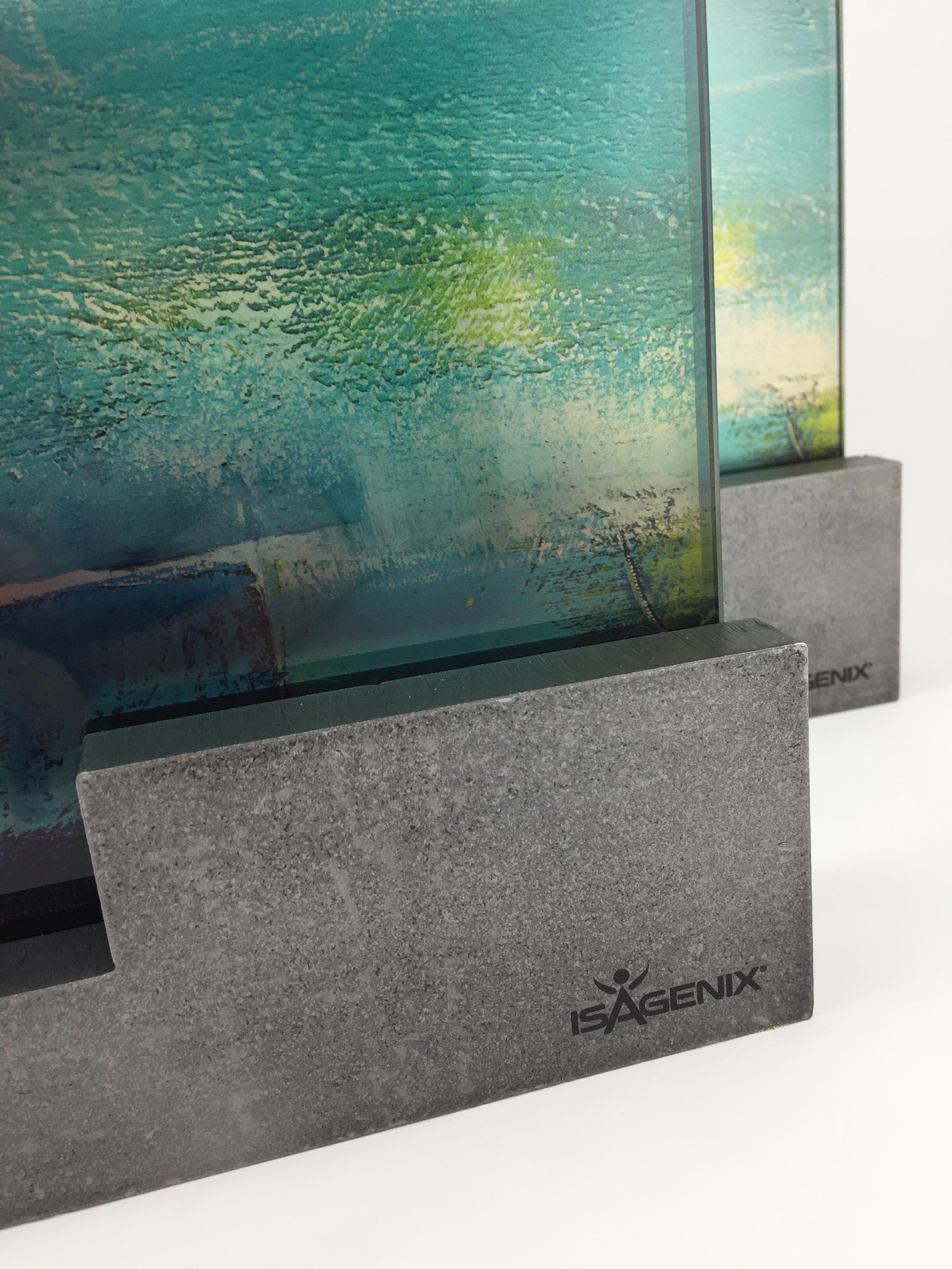 isagenix-millionaires-metal-glass-art-trophy-awards-sculpture-02.jpg