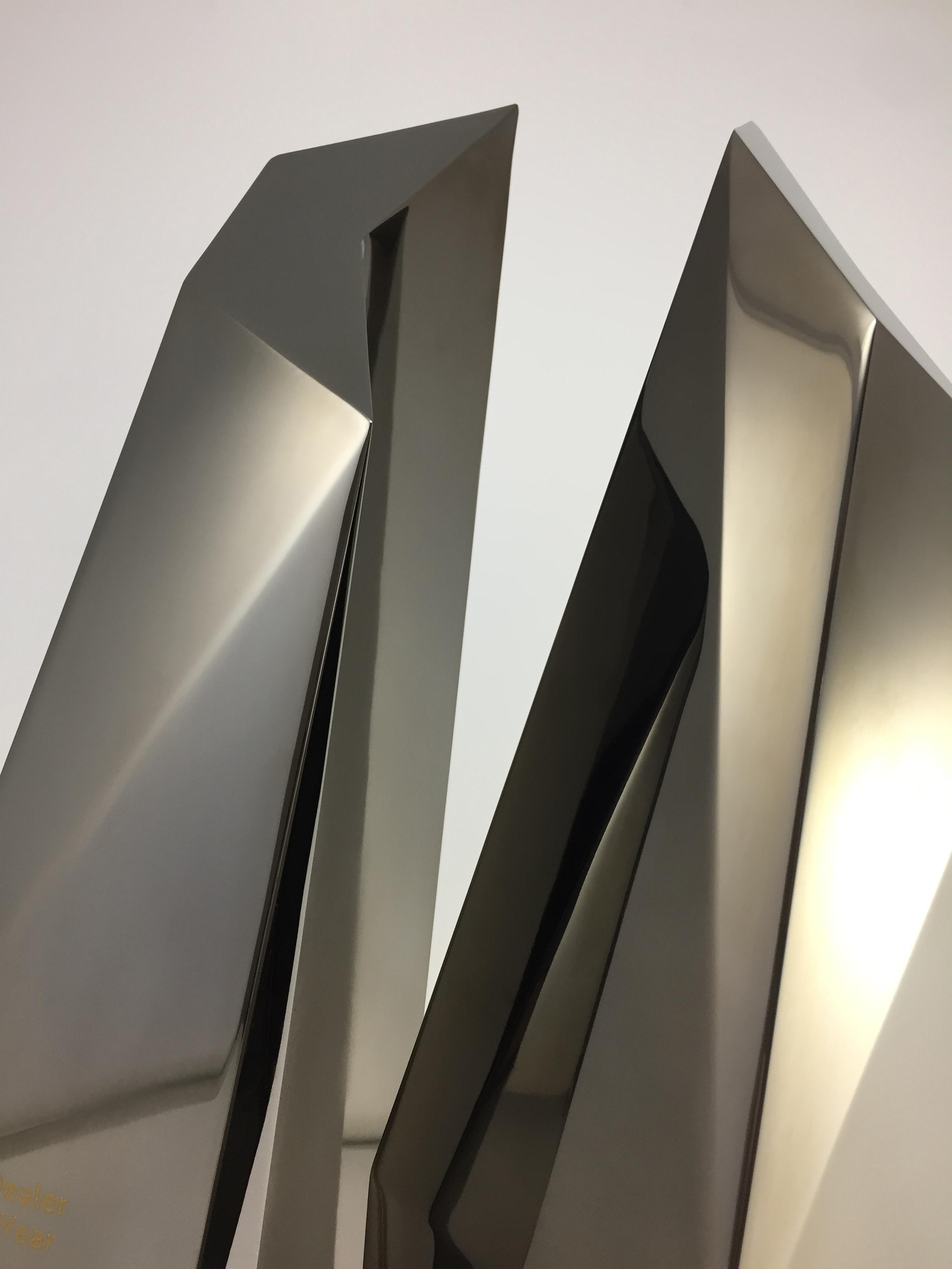 audi-metal-art-sculpture-award-trophy-01.jpg