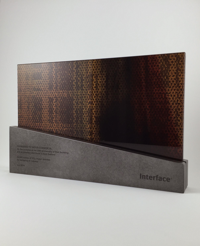 interface-corporate-gift-metal-glass-award-trophy-art-01.jpg
