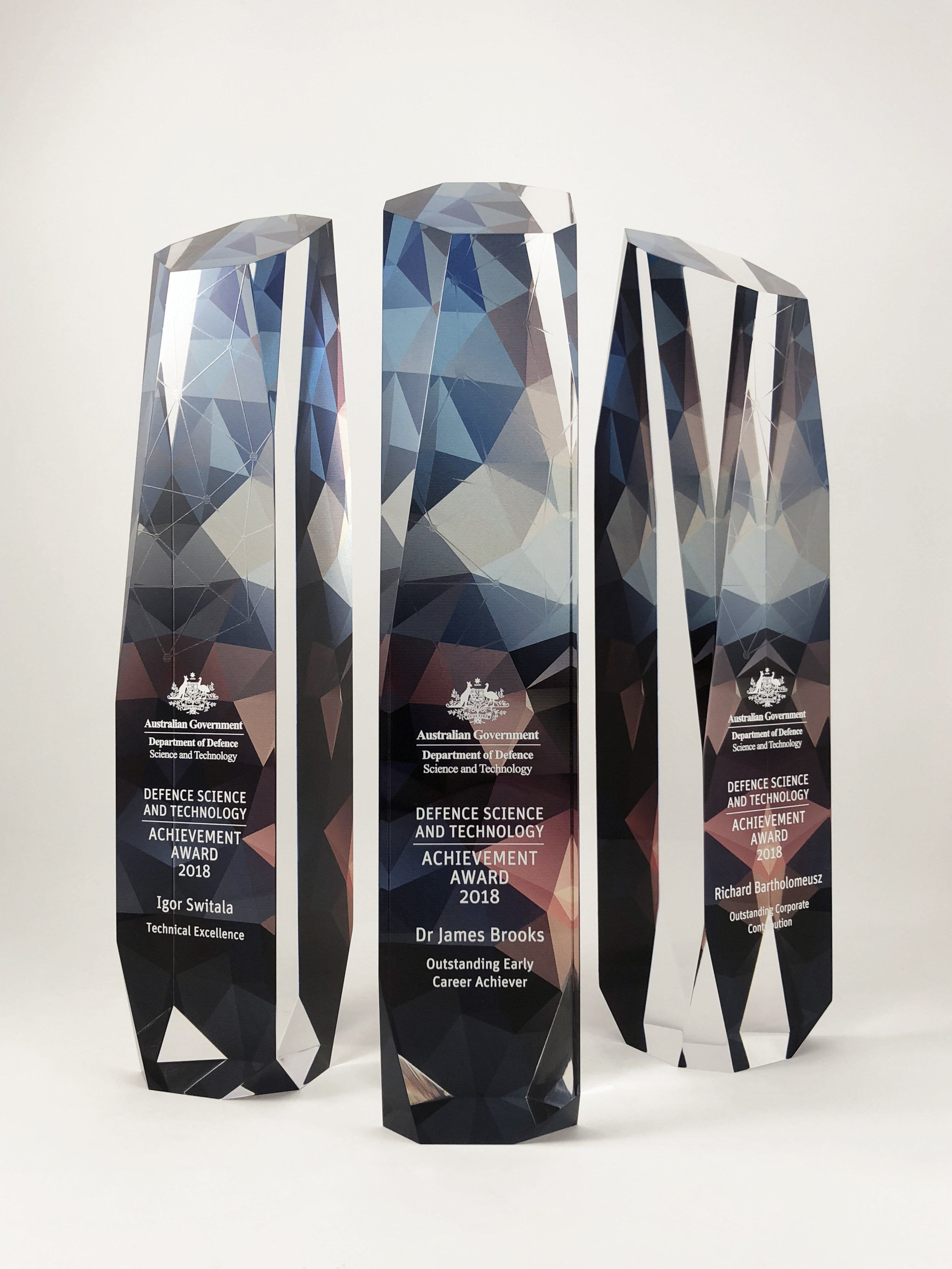 australian-defence-science-technology-achievement-awards-acrylic-trophy-03.jpg