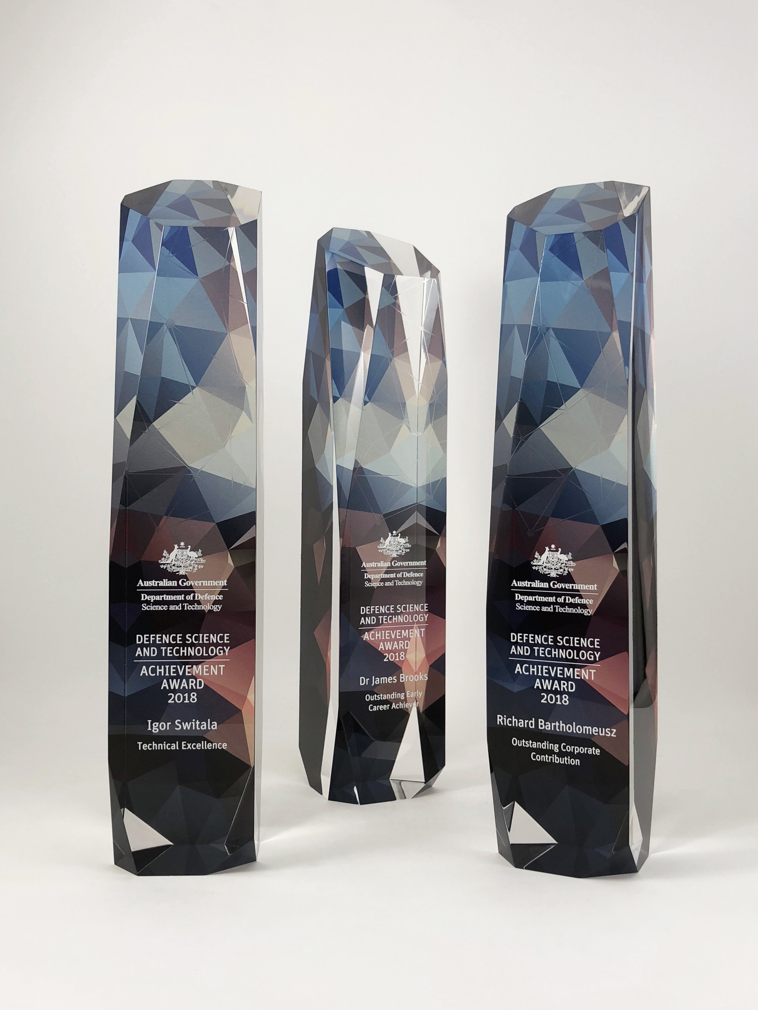 australian-defence-science-technology-achievement-awards-acrylic-trophy-05.jpg