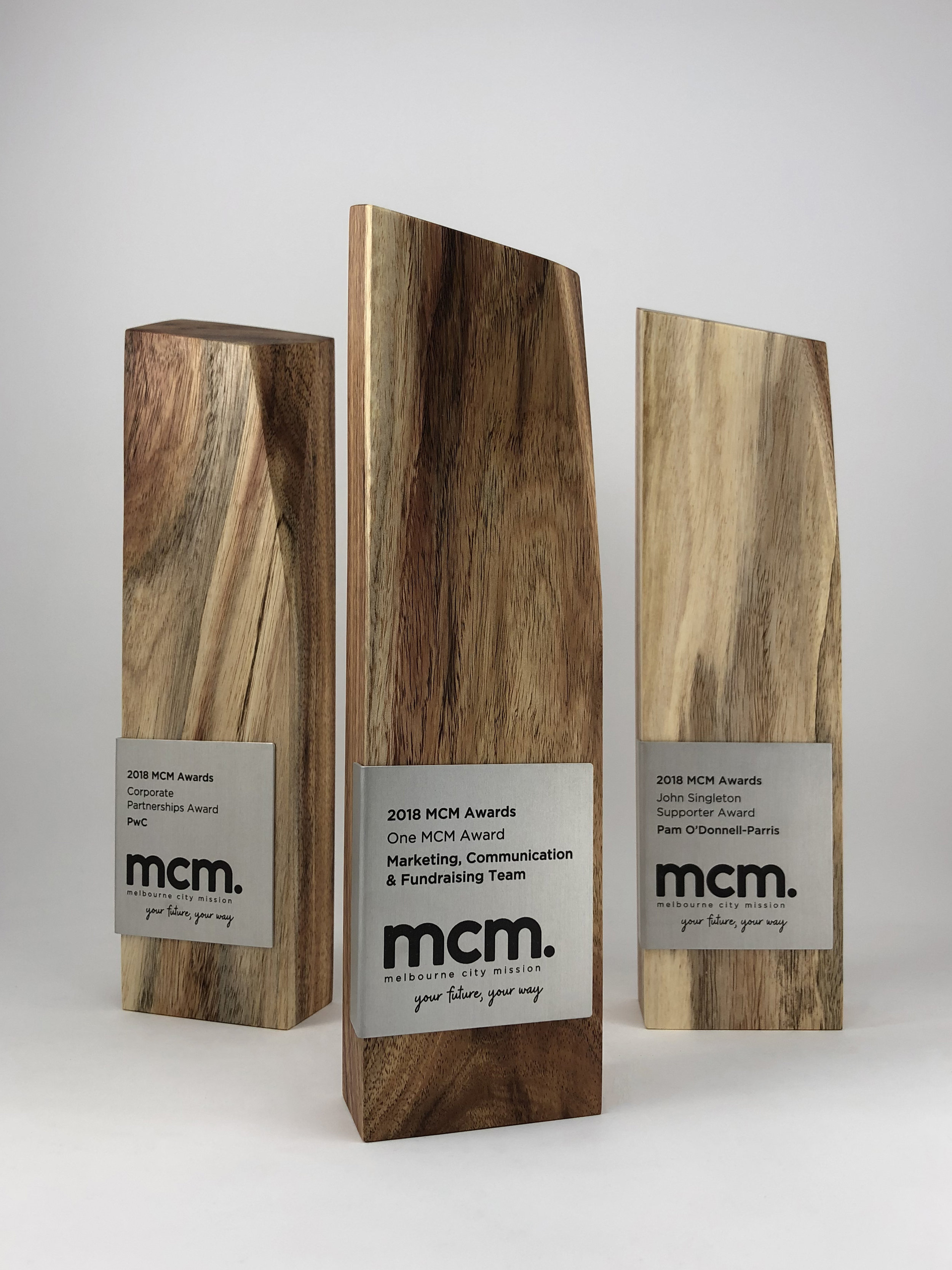 mcm-awards-reclaimed-eco-timber-chamfer-metal-trophy-01.jpg