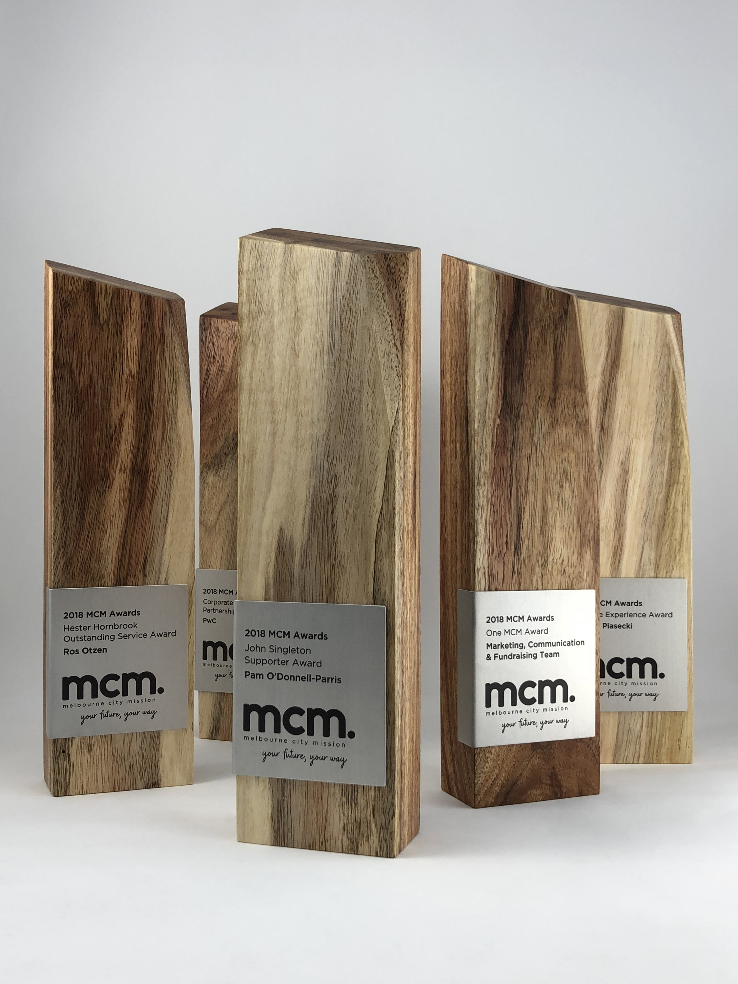 mcm-awards-reclaimed-eco-timber-chamfer-metal-trophy-02.jpg