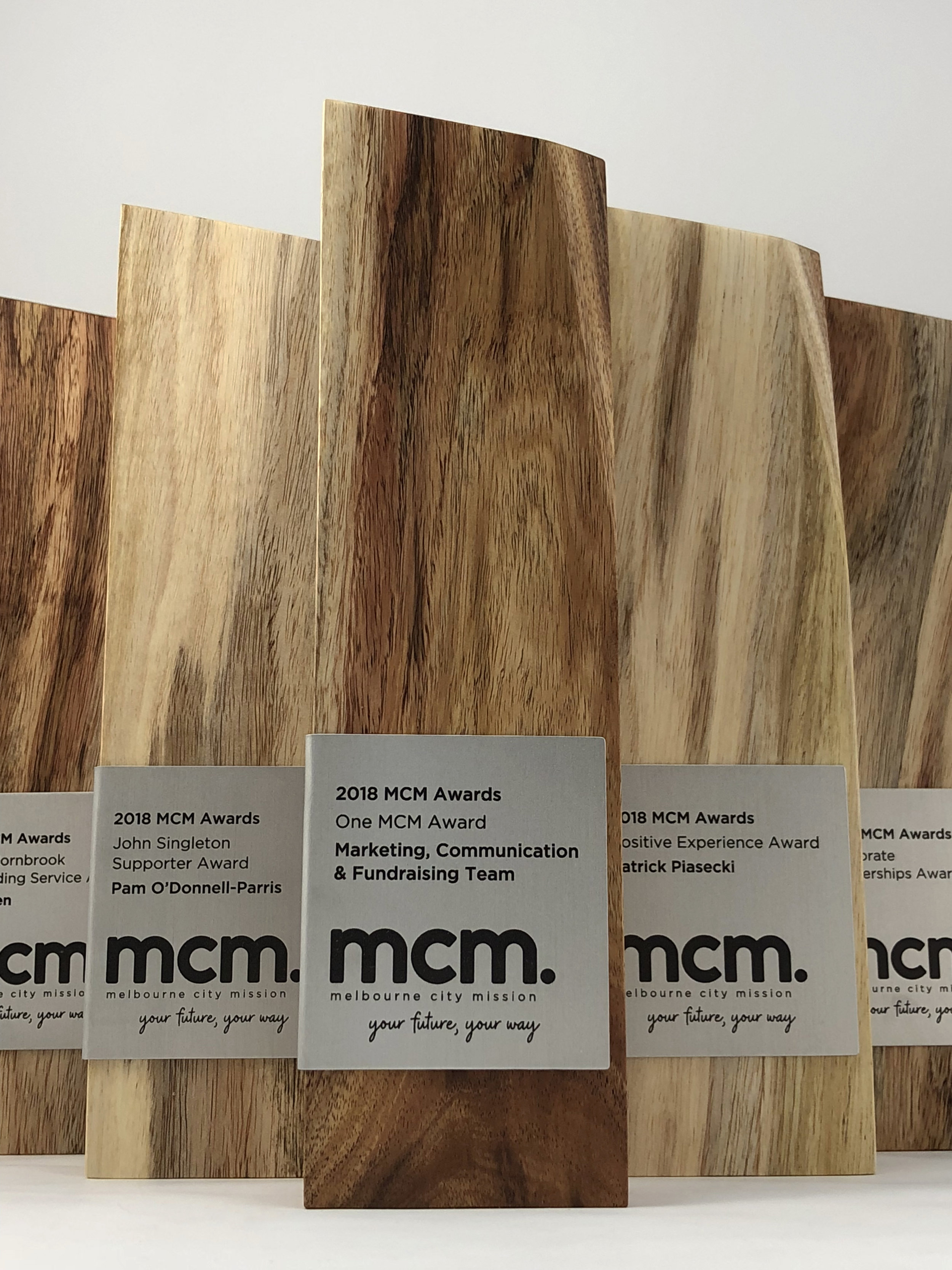 mcm-awards-reclaimed-eco-timber-chamfer-metal-trophy-09.jpg