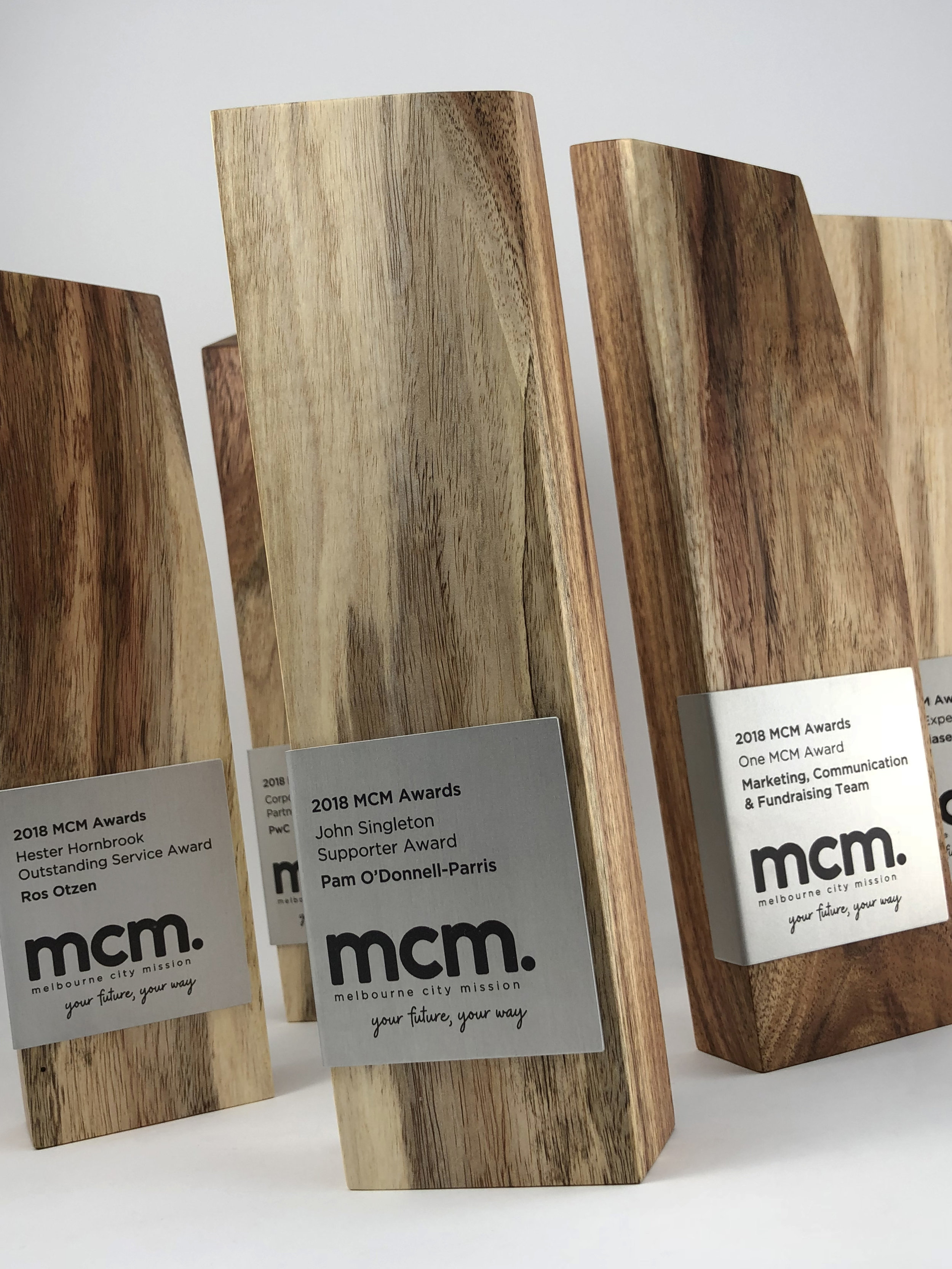 mcm-awards-reclaimed-eco-timber-chamfer-metal-trophy-04.jpg