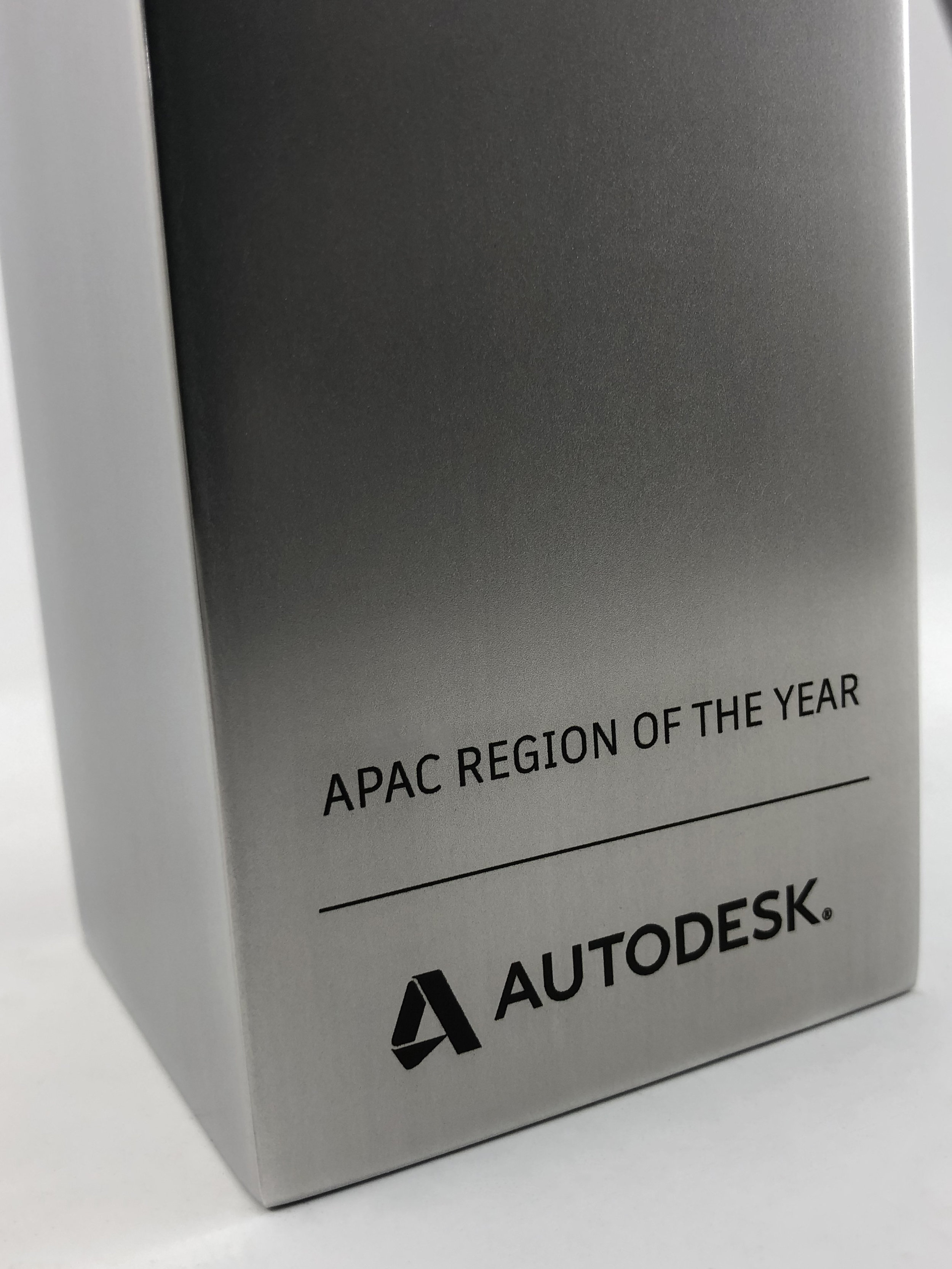 autodesk-apac-excellence-awards-acrylic-metal-graphic-art-print-trophy-10.jpg