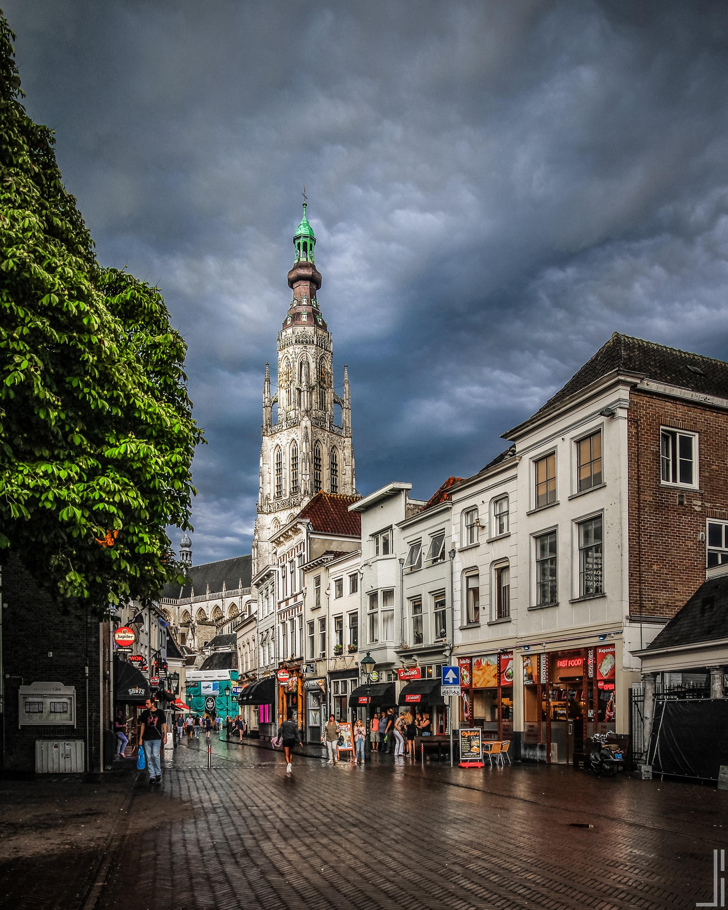 Vismarkt en Grote Kerk Breda - jbax
